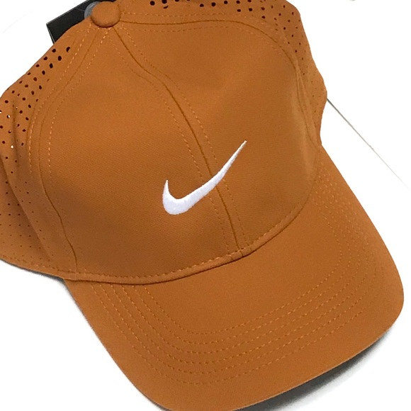 1d1022ab5 NWT - NIKE Legacy91 Perforated Hat NWT